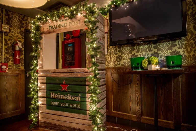Heineken Holiday Trading Post inside New York City's Park Avenue Tavern