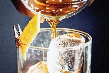 New York Sour Cocktail featured in MAN'edged Magazine best whiskey bourbon drinks for fall