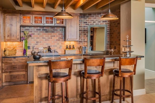 Functional and Stylish Design: How to Improve Your Home Bar